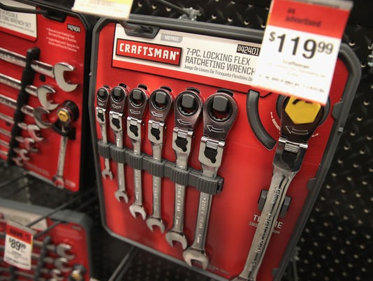 lowe's to offer former sears brand craftsman tools in 2018