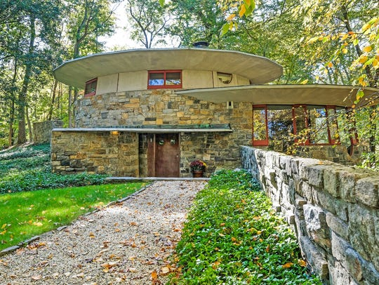 Usonia home built for Sol Friedman in 1948 was a combination