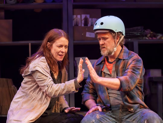 Bari (Eva Kaminsky) and Mike (Torsten Hillhouse) play