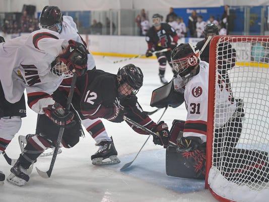 636546374863937240-ODN-Ice-Hawks-vs-FDL-hockey-01232018-JK-0010.jpg