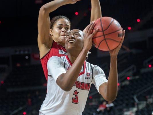636555327524558061-Cajuns.Arkansas.Women.Basketball-03.01-4652.jpg