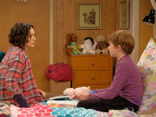 Sarah Gilbert as Darlene and Ames McNamara as Mark