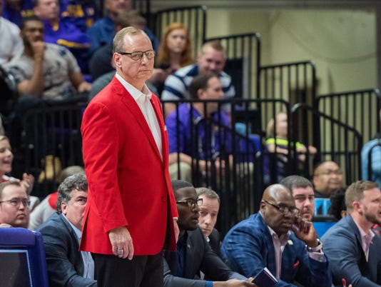 636566629627203036-LSU.Cajuns.basketball.03.14.18-2649.jpg