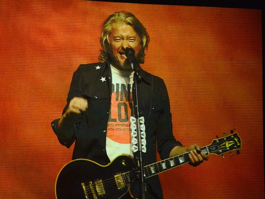 Little Big Town singer-guitarist Phillip Sweet at Saturday's