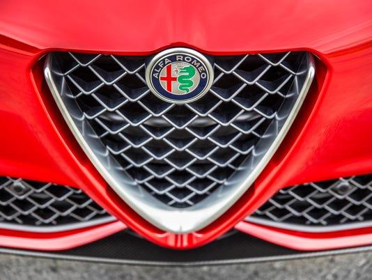 636637050080536687-2018-Alfa-Romeo-Giulia-Quadrifoglio-4.jpg