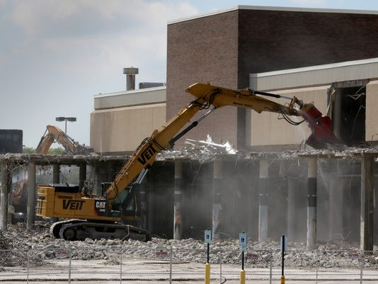 Demolition of Sears buildings underway at Brookfield Square