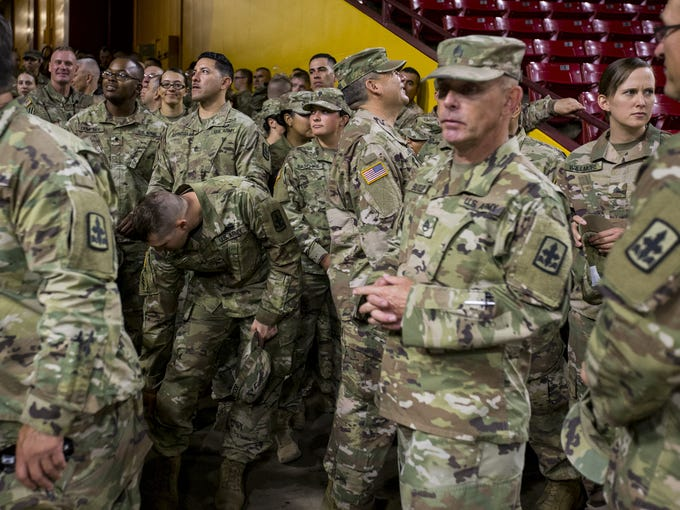 Members of the Arizona Army National Guard 1st Battalion,