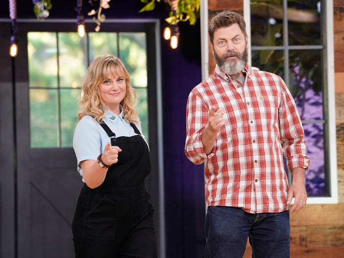 Amy Poehler and Nick Offerman host the reality crafting