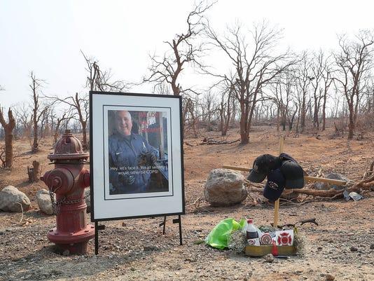 636689119588510004-carr-fire-stoke-memorial.jpg