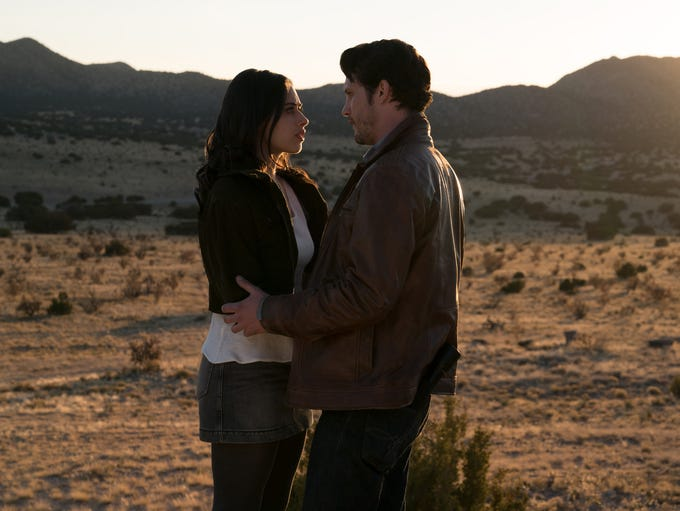 "Jeanine Mason and Nathan Dean Parsons debut on ""Roswell,"