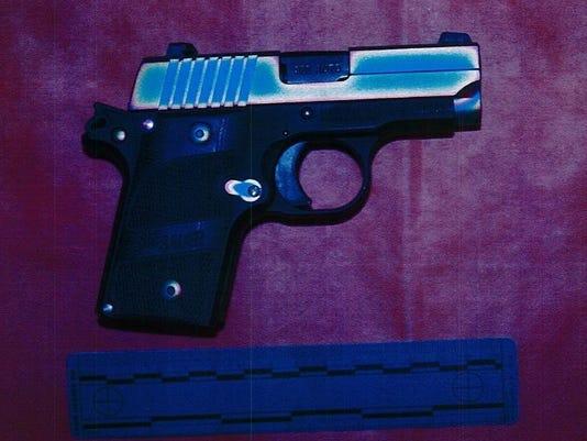635944348324651697-gun.jpg