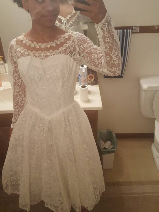 Iowa bride-to-be left \'distraught\' after wedding dress stolen from ...
