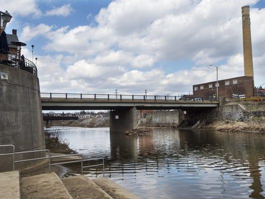 Downtown Inc plans to install LED lighting on York bridges. The first will be the Philadelphia Street bridge.