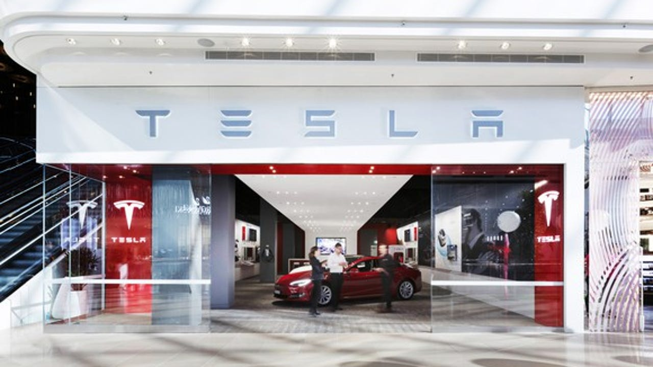 Tesla issued a voluntary recall of its Model S hatchback & Model X crossover due to issues with the vehicles' parking brake. 