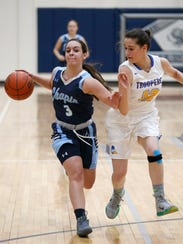Chapin High Schools Jocelyn Daw attempts to get by