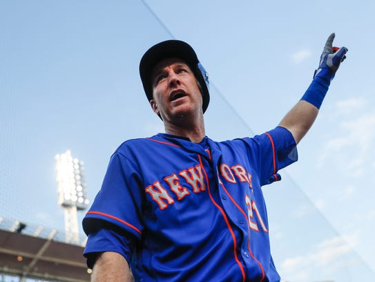 New York Mets' Todd Frazier reacts after Jay Bruce