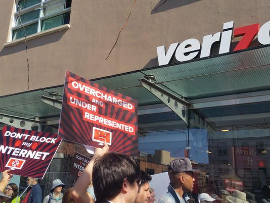 635603838991937648-net-neutrality-protest