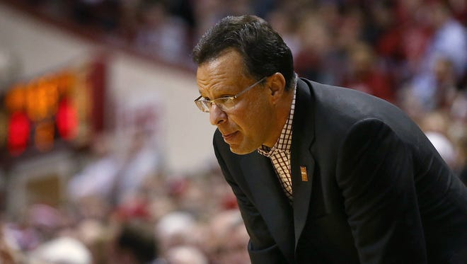 Indiana coach Tom Crean watches second half action against Wisconsin at Assembly Hall, Bloomington, Ind., Tuesday, Jan. 3, 2017. The Hoosiers lost to Wisconsin, 68-75.