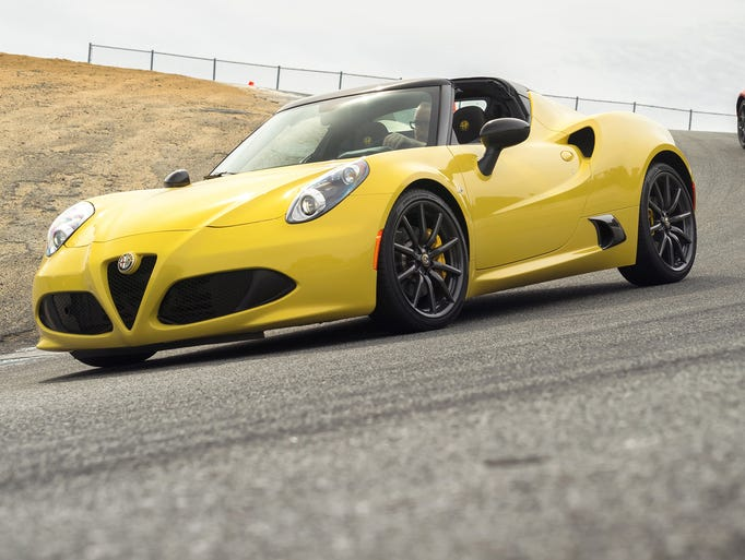 The roofless Alfa Romeo Spider joins the coupe
