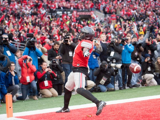 Ohio State running back Curtis Samuel celebrates after