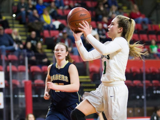 Seton Catholic Central graduate Hanna Strawn scored 10 points Friday night to help Siena to victory over St. Peter's.