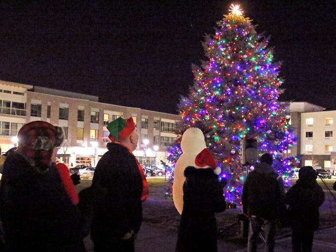 With a countdown from five, lights illuminate at Oak