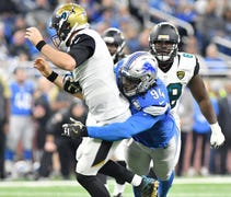 Detroit earns praise for retooling offensive line,...