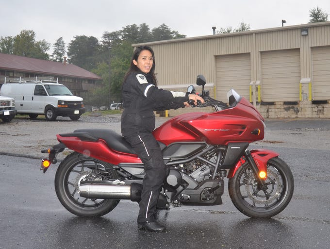 USA TODAY's Andria Yu test rides the CTX700.