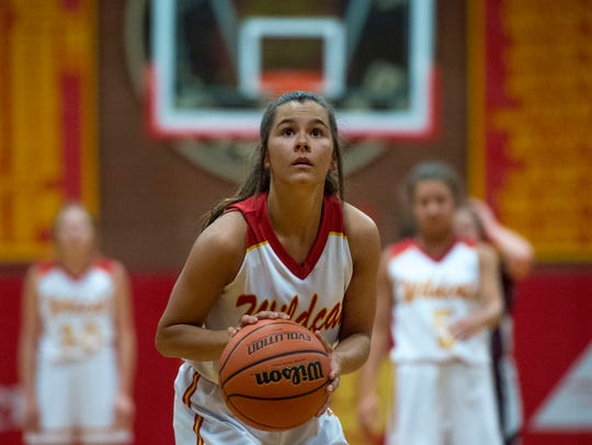 Mater Dei's Hannah Winiger (3) takes a free throw as