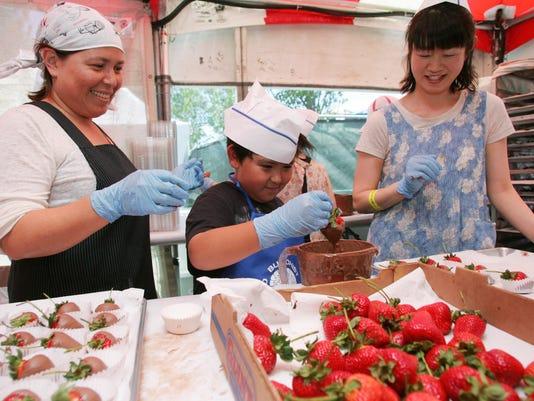 636309098413320235-strawberry-festival8.jpg