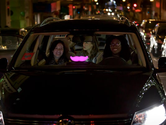 635805376862137297-Lyft-Pic-Glowstache