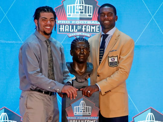 Hall_of_Fame_Football_31185.jpg