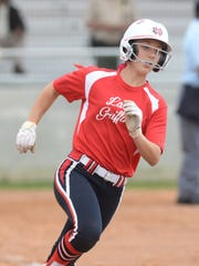 Bayli Simon sprints to first base.
