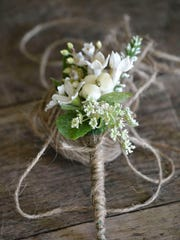 Queen Anne's Lace Boutonniere