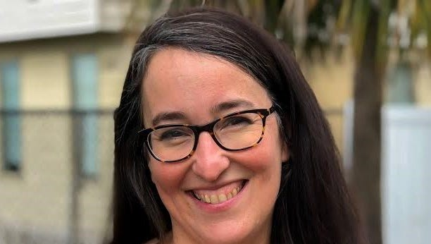 Sarah Baeckler Davis / Executive director / Humane Society Naples