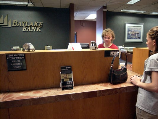 -BayLake Bank014.jpg_20040704.jpg