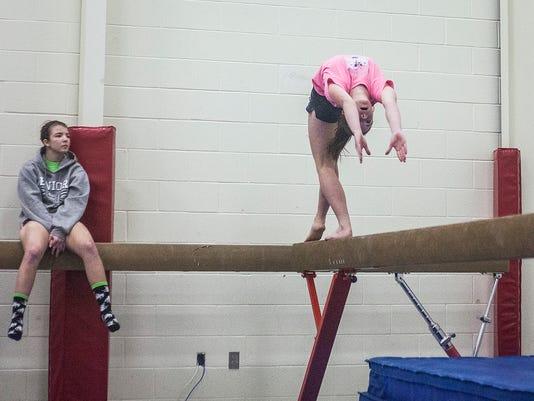 MNI 0305 gymnastics034.JPG