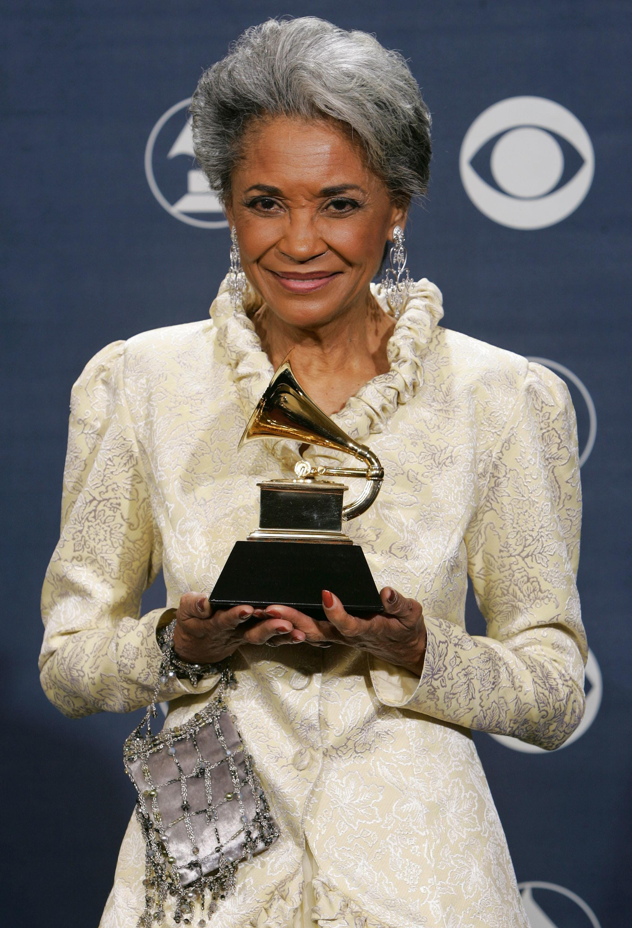 Communication on this topic: Jean Gilpin, nancy-wilson-jazz-singer/