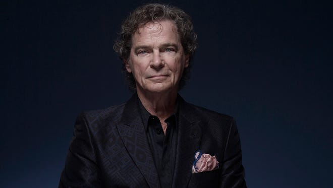 "BJ Thomas will sing such songs as ""Hooked on a Feeling"" and ""Raindrops Keep Falling on My Head"" when he and his band perform at the Newton Theatre on Saturday, July 21.  Since he debuted in 1966, Thomas has recorded pop, R&B, country, gospel, and other genres."