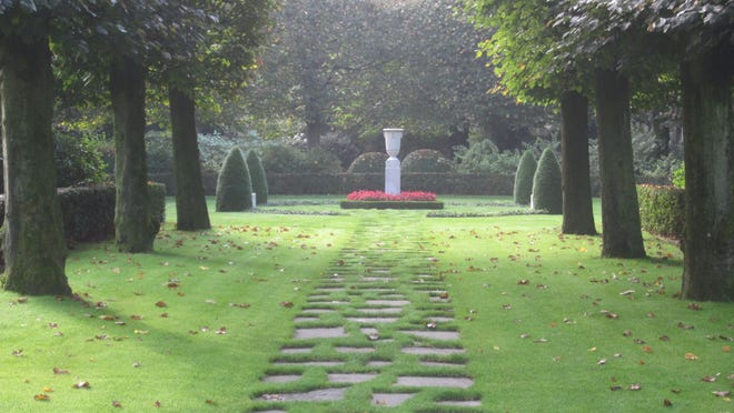 The garden area of Flanders Field American Cemetery.