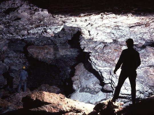 Cave Explorers in Wind Cave's Snowdrift Avenue. (Photo