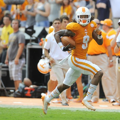 Tennessee wide receiver Von Pearson (9) breaks free