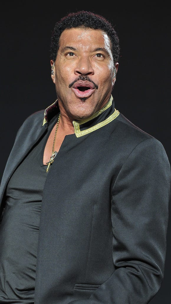 Lionel Richie is keeping his eyes on other things.