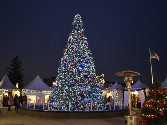 Shain park tree lighting.jpg
