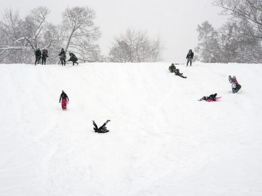 YDR-pmk-032118-snow