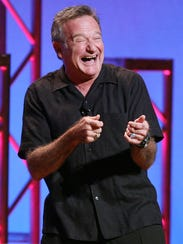Robin Williams performing his stand-up show, Weapons