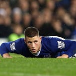 LIVERPOOL, ENGLAND - DECEMBER 19: Ross Barkley of Everton reacts during the Barclays Premier League match between Everton and Leicester City at Goodison Park on December 19, 2015 in Liverpool, England.  (Photo by Nigel Roddis/Getty Images)