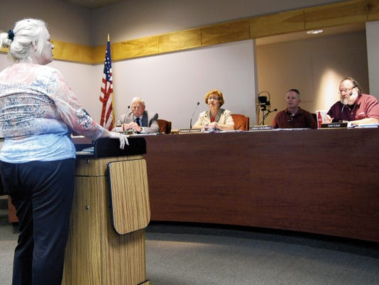 Leslie Fritz, uniserve director for the National Education Association in Las Cruces, speaks to the Silver Consolidated Schools Board of Education on Tuesday in Silver City. Randal Seyler - Sun-News