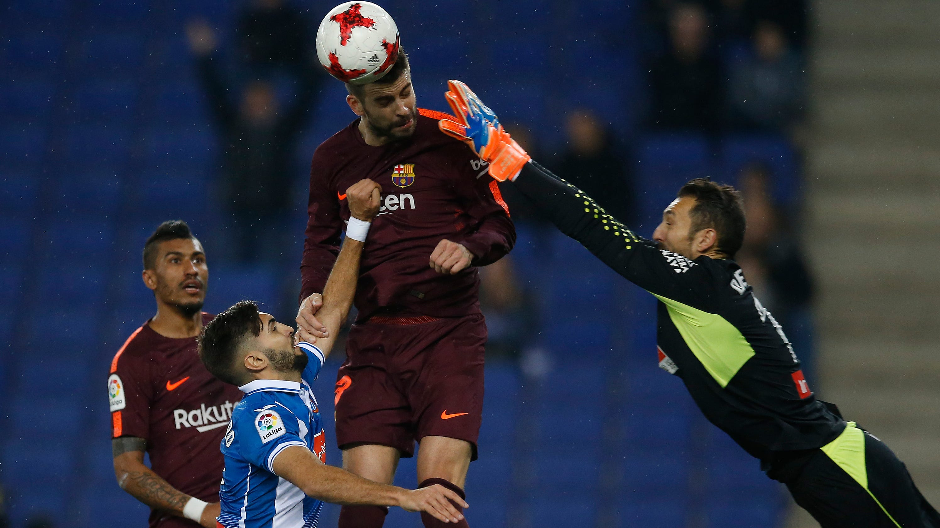 Messi misses penalty barcelona 39 s 29 game unbeaten run ends - Firefly barcelona ...
