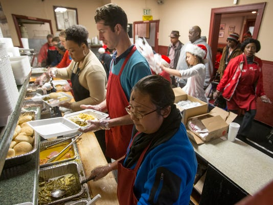 Kountry Kitchen Serves Free Food To People In Need For Christmas